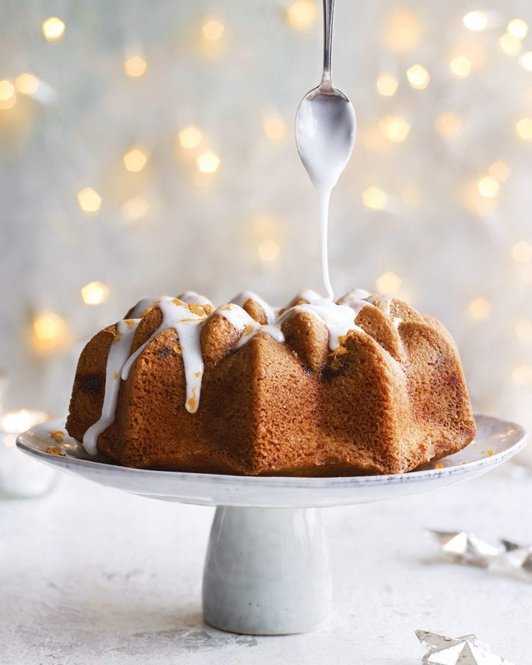 Mincemeat and custard bundt cake
