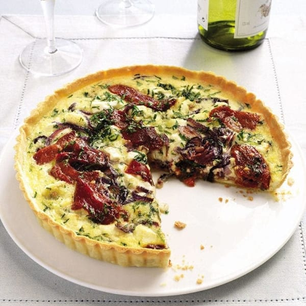 Goat's cheese and red pepper tart