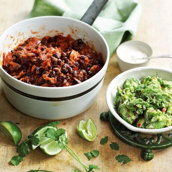 Chipotle black bean chilli with guacamole