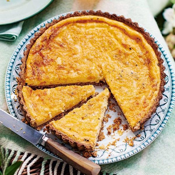 cheddar and nutmeg tart