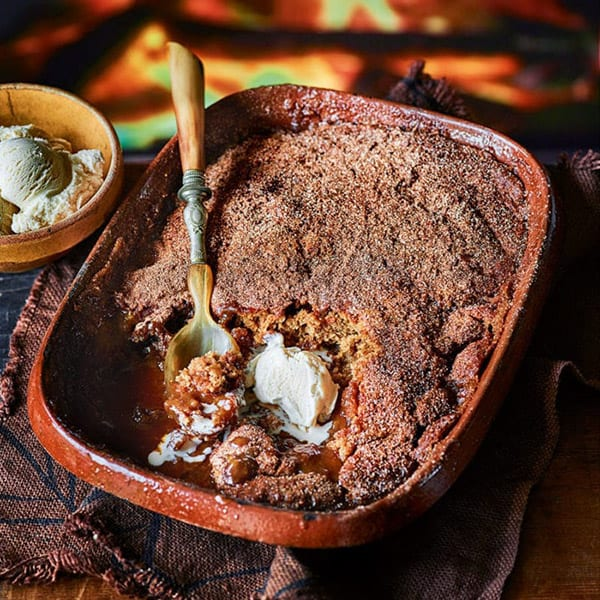 Sticky fig and caramel pudding