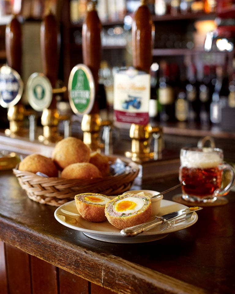 The delicious. virtual quiz for foodies – with REAL pub grub