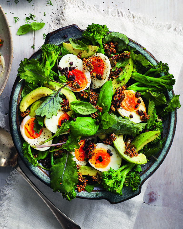 Lentil, broccoli and egg salad with crunchy seeds