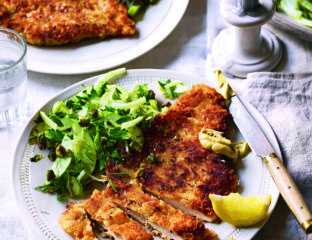 Chicken schnitzel with fennel, pistachio and apple salad
