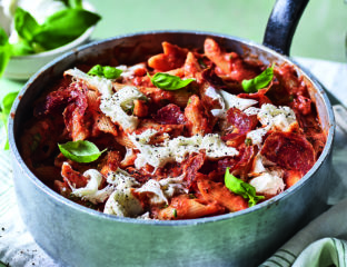Pizza style penne with salami crisps