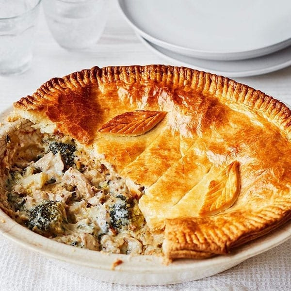Easy chicken and broccoli pie