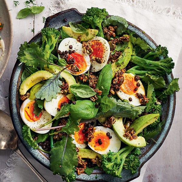 Lentil, broccoli and egg salad with crunchy seeds