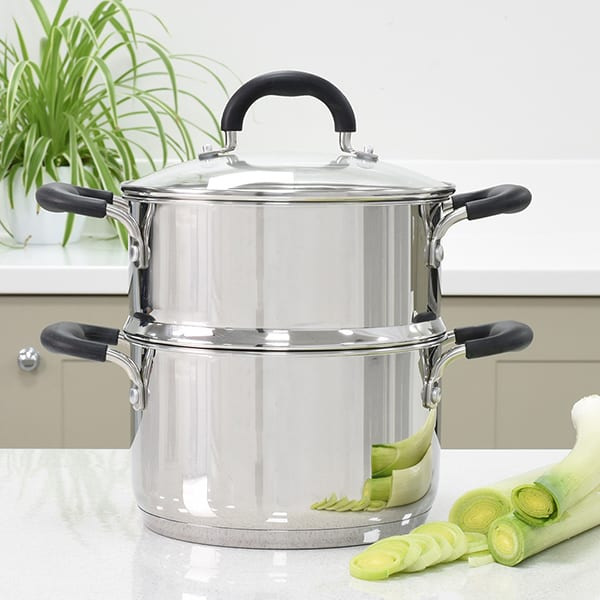 20cm insert transforms the stockpot into a steamer set for healthy, nutritious cookin