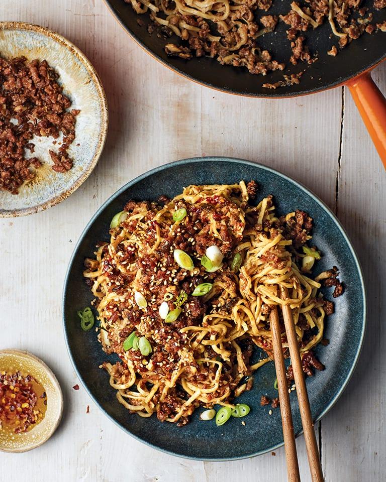 Spicy vegan dan dan noodles