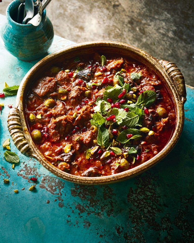 Fruity lamb and olive tagine
