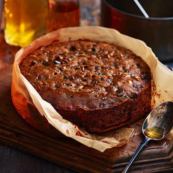 Spiced rum butter Christmas cake