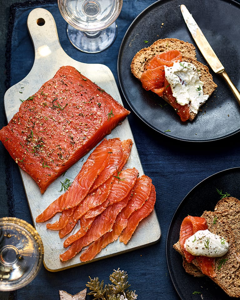 Gravadlax with soda bread and horseradish cream