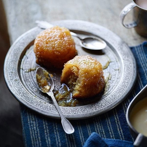 Baked lemon curd syrup sponges