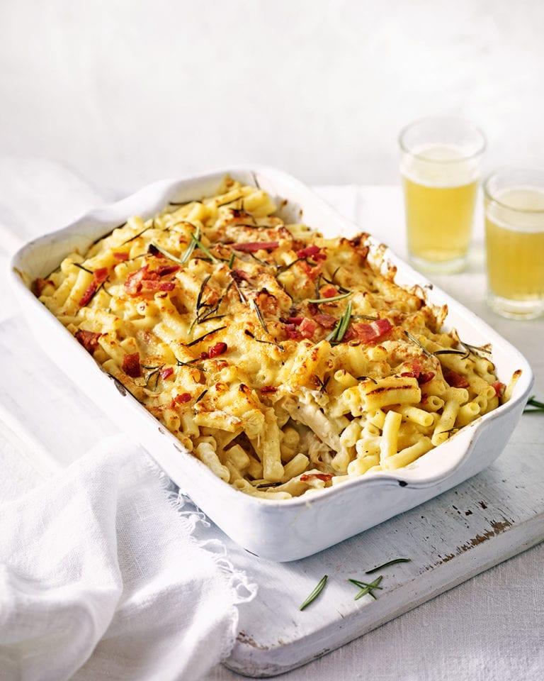 Chicken macaroni cheese with crispy pancetta