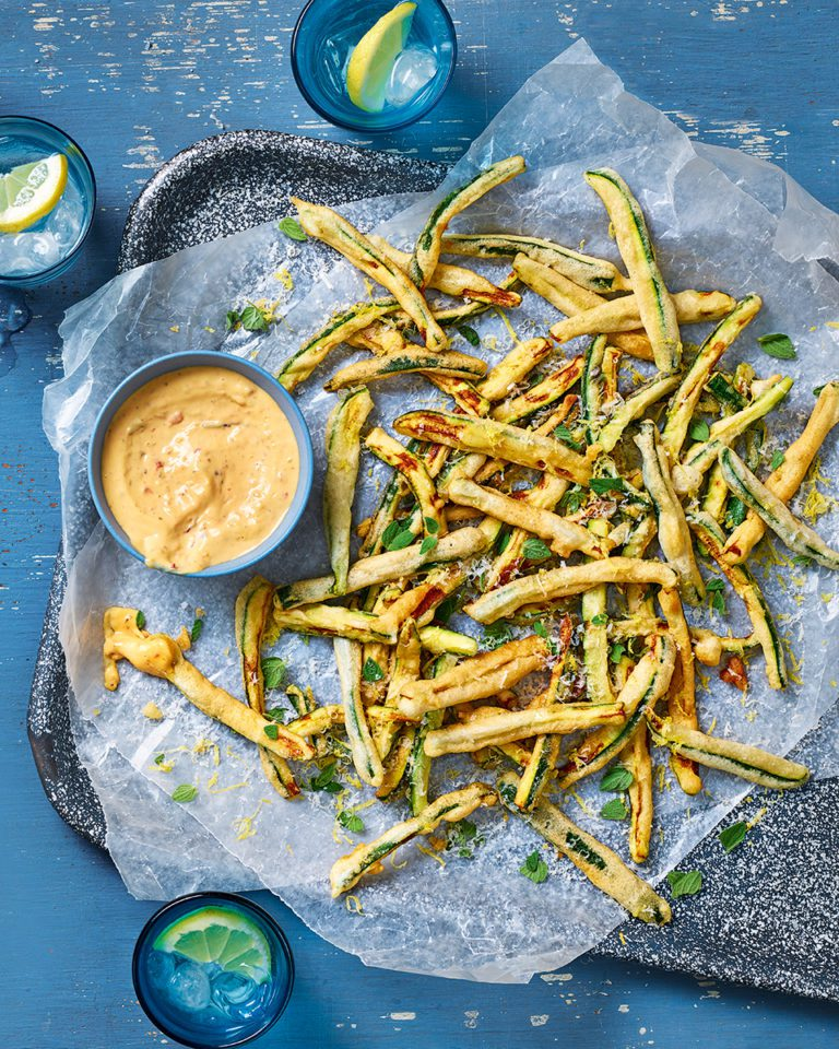 Courgette fries with spicy chilli mayonnaise