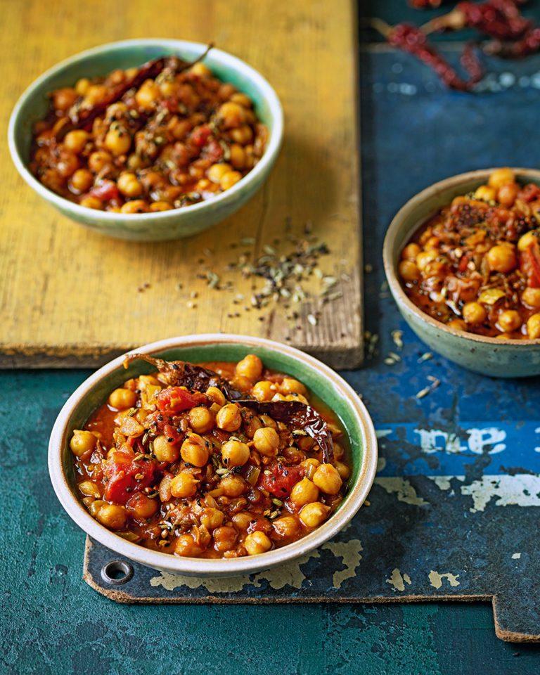 Pickle-spiced chickpeas (aachari chole)